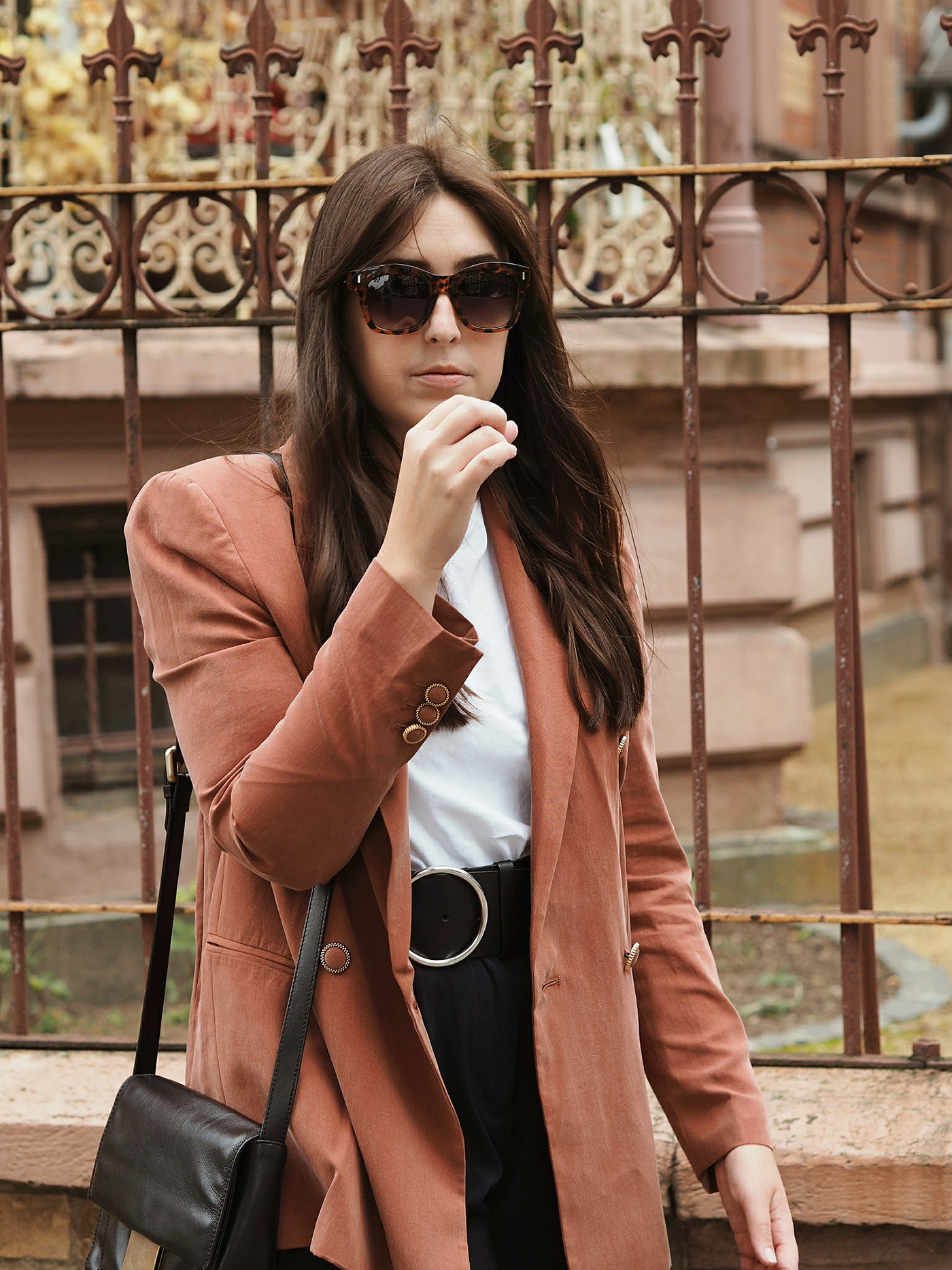 salmon-blazer-mango-outfit-fall-winter-2017-julia-carevic