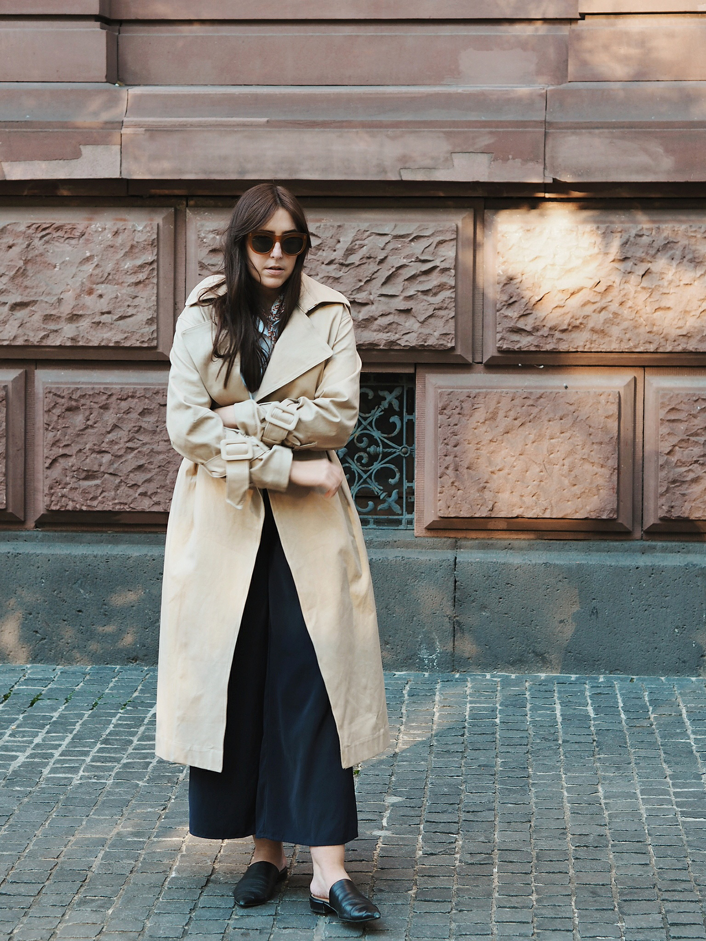 trench-coat-hm-trend-outfit-stine-goya-julia-carevic