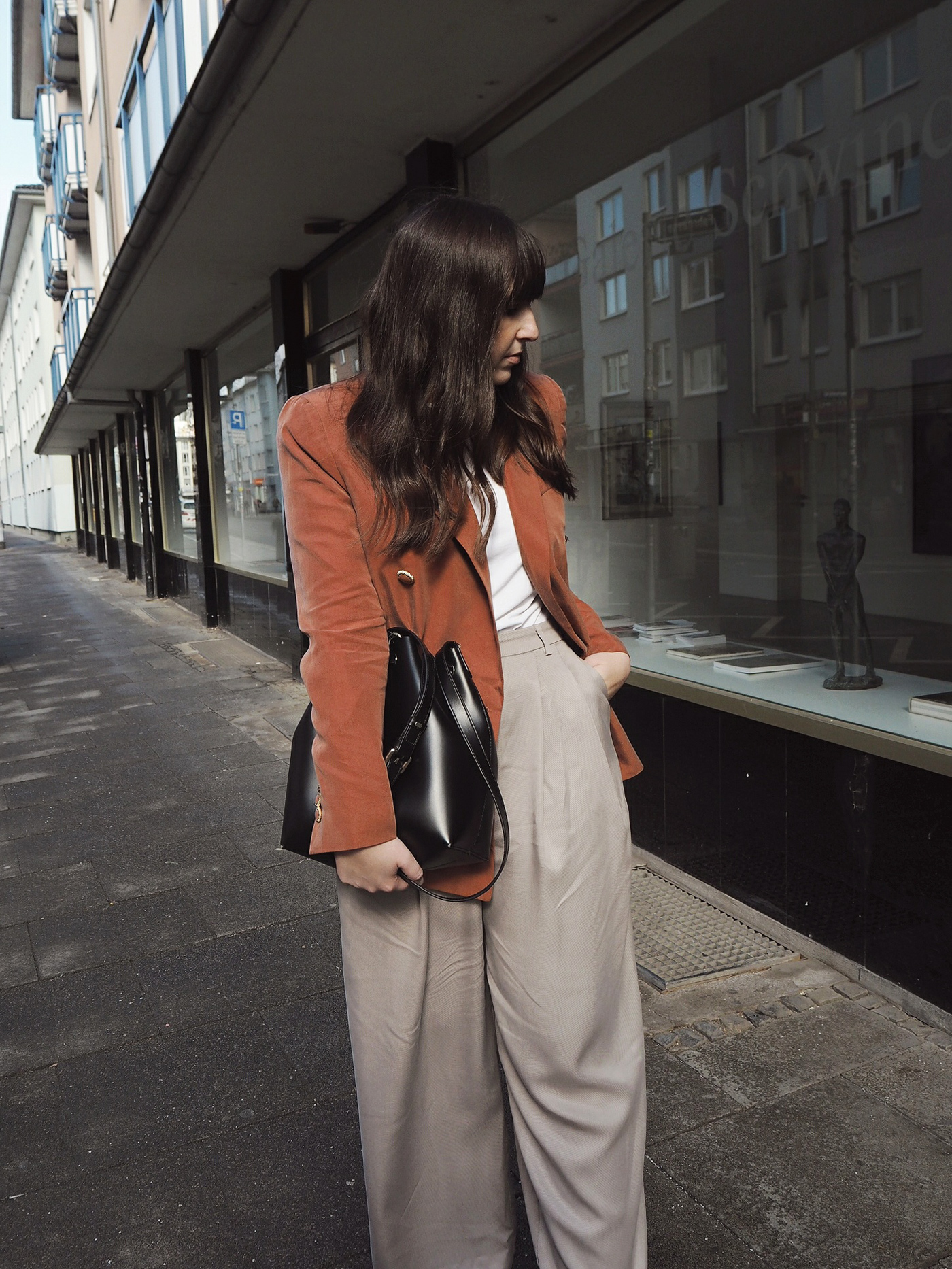 outfit-pink-mango-blazer-weekday-wide-leg-ella-pants-julia-carevic