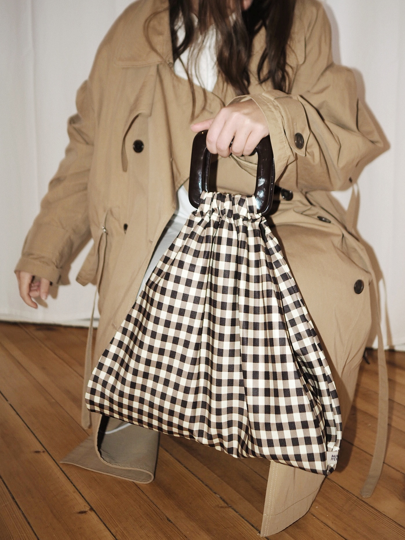 baum-und-pferdgarten-bag-pushbutton-trenchcoat-julia-carevic
